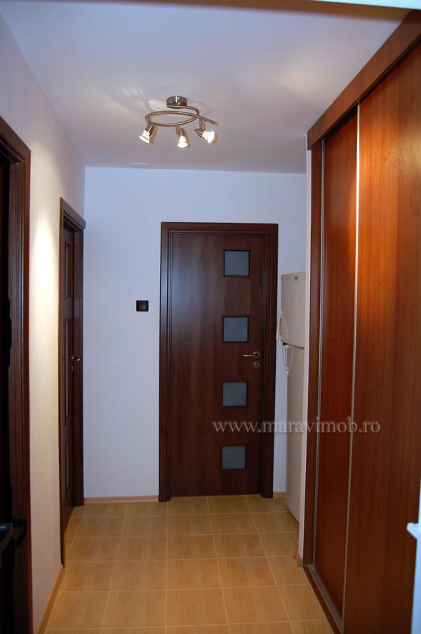 Dulapuri cu usi glisante pentru holul de la intrare