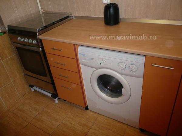 bucatarie de bloc, solutie de mobilare