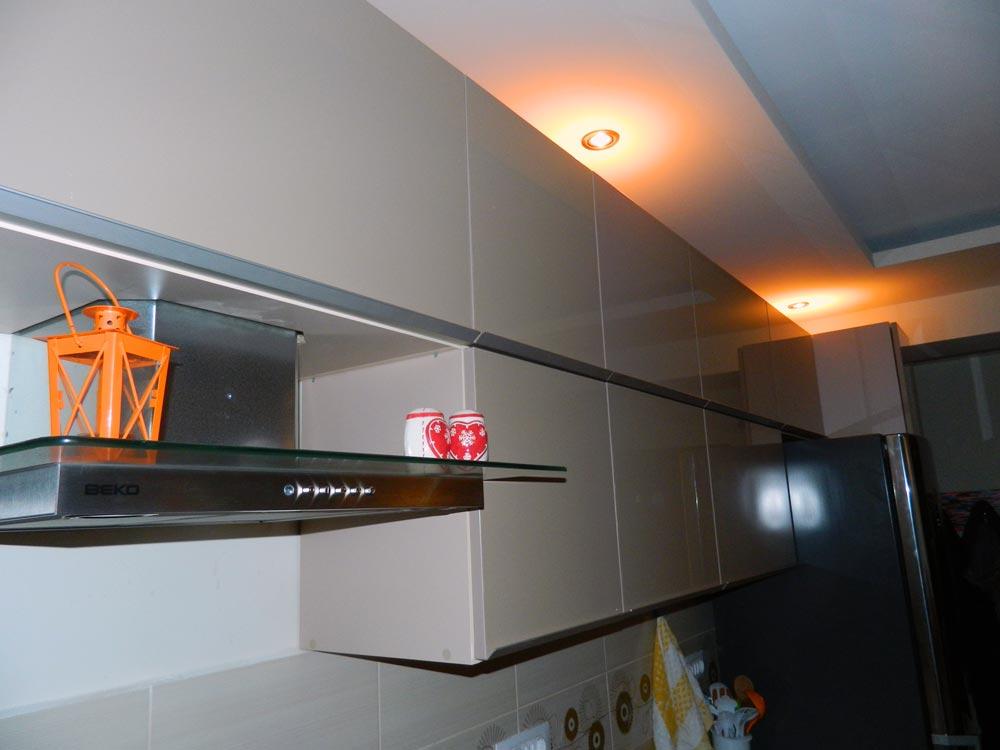 elemente de aluminiu in bucatariile moderne
